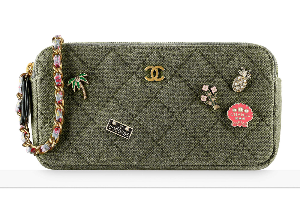 chanel-charms-small-clutch-1850