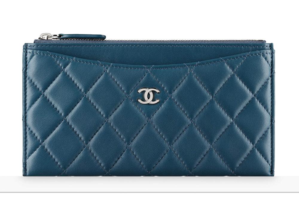 chanel-zip-pouch-blue-650