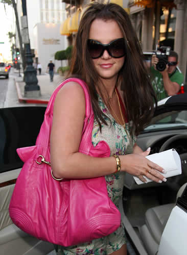 britney spears pink handbag1