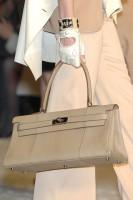Сегодня речь пойдет о действительно редких сумках, которые дизайнеры...