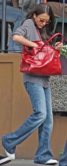 jessica alba tods handbag