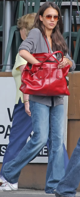 jessica alba tods handbag4