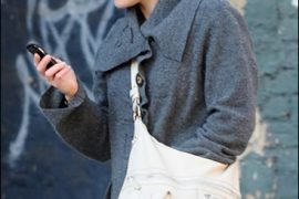 Kate Winslet Style: Tod's Sacca Hobo