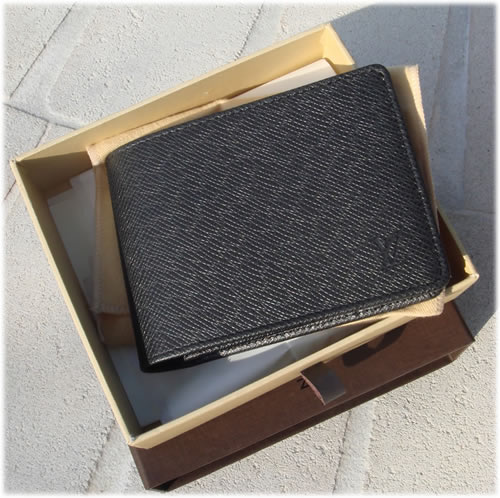 Louis Vuitton Taiga Billfold