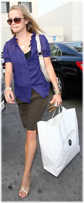 reese witherspoon handbag style3