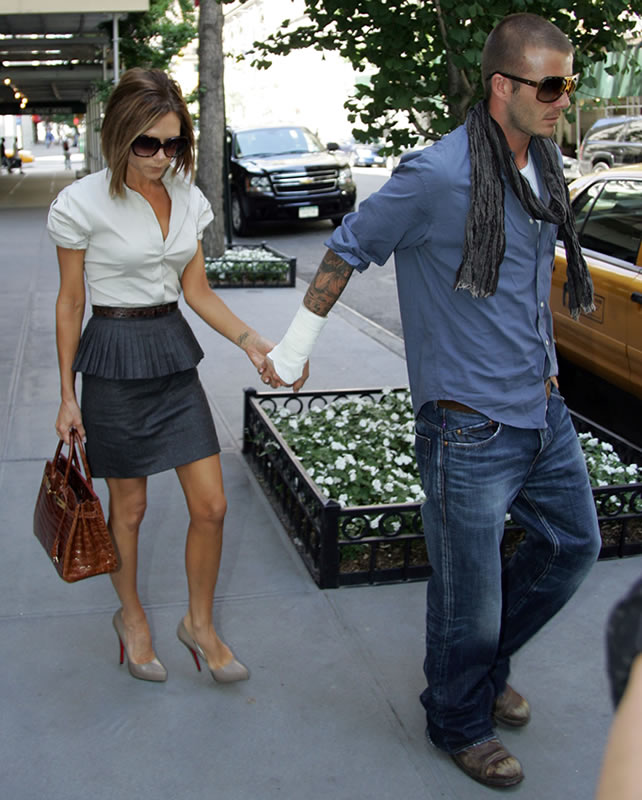 We have seen Victoria Beckham carry her Hermes Ostrich Birkin, Hermes Kelly