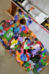 Canvas colors and easel