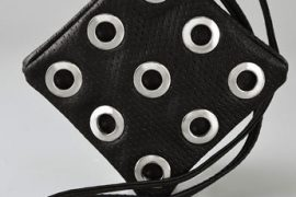Jenny Bird offers an interesting take on the minibag