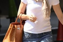 Who's that girl with her ostrich Hermes Birkin?