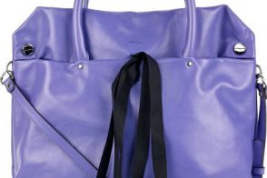 Marni flops with their ribbon-trimmed square leather tote