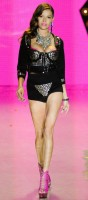 Betsey Johnson Spring 2012 (2)