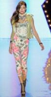 Betsey Johnson Spring 2012 (11)