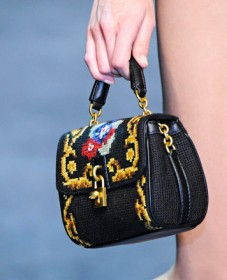 Dolce & Gabbana Fall 2012 Handbags (23)