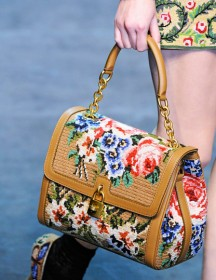 Dolce & Gabbana Fall 2012 Handbags (24)