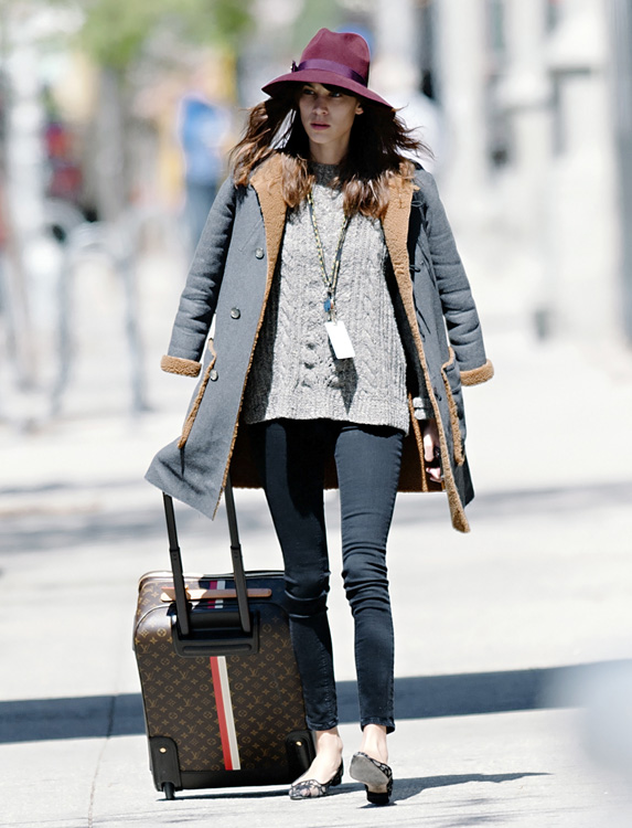 Celebrities and Louis Vuitton Luggage 2