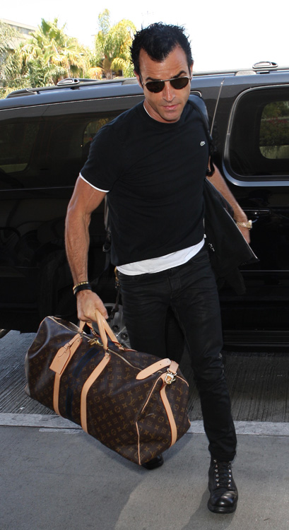 Celebrities and Louis Vuitton Luggage 8