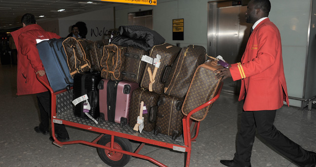 Celebrities and Louis Vuitton Luggage 9