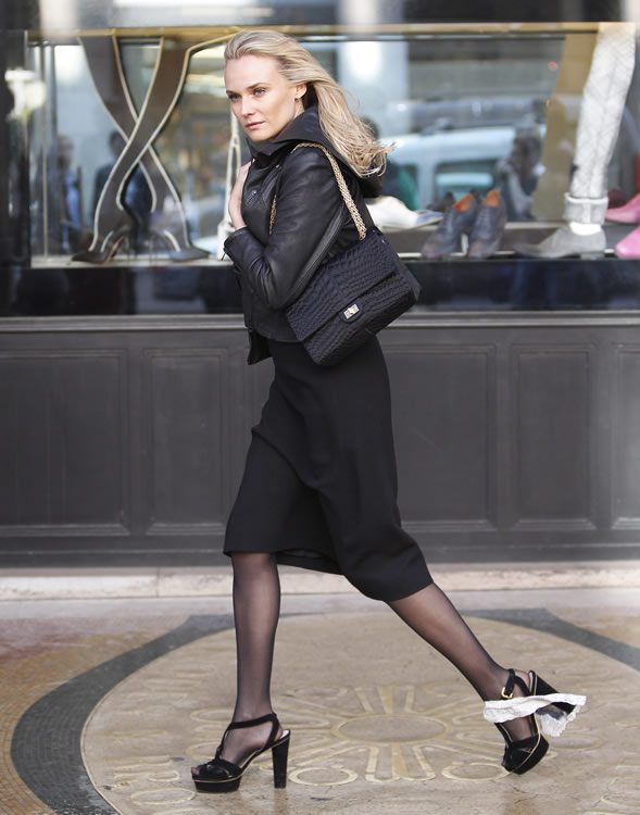 25869c8884 The Many Bags of Diane Kruger - PurseBlog