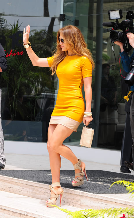 The Many Bags Of Jennifer Lopez Purseblog