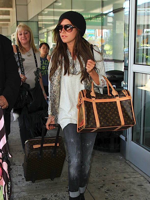 Don t Leave Home Without It  Celebrities and Their Louis Vuitton ... 7133fd77dc9ab