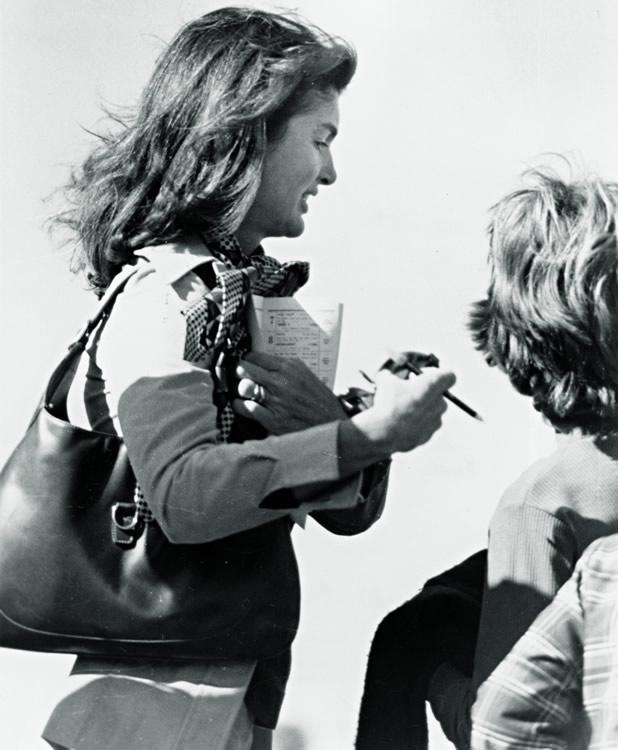 a41b5ea7ff27 Jacqueline-Onassis-1970s-Gucci-Bag
