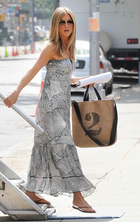 Jennifer Aniston Feed Bag