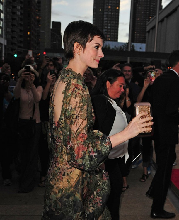 Hathaway anne carries gorgeous roger vivier clutch