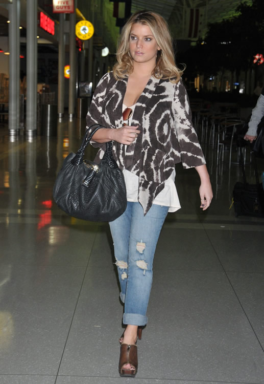 90225a59a32 The Many Bags of Jessica Simpson - PurseBlog