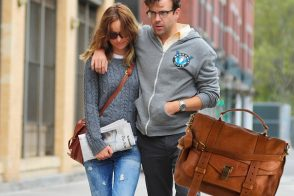 Olivia Wilde strolls through NYC and carries Proenza Schouler