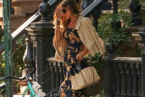 Sarah Jessica Parker carries Chanel on a perfect New York day