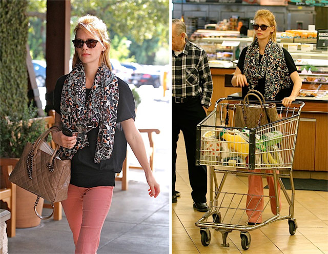 January Jones carries Chanel (5)