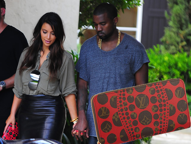 f3f2d4d3f9458 Kim Kardashian kluches Louis Vuitton and Kanye West - PurseBlog