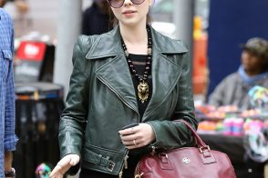 Michelle Trachtenberg accessorizes with Tory Burch