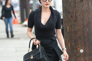 Dita Von Teese vamps it up with Dolce & Gabbana