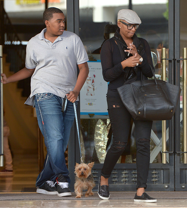Real Housewives Of Atlanta S Nene Leakes Carries Celine To