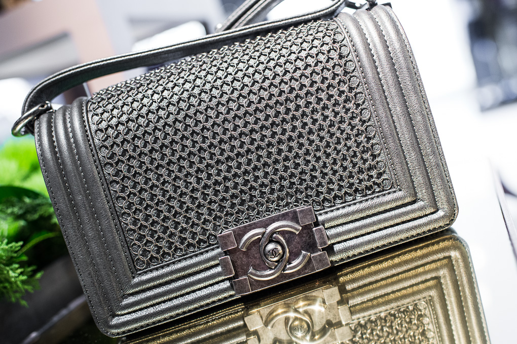 Get ready to drool over our photos of Chanel Métiers d Art ... 2bcb43b233de