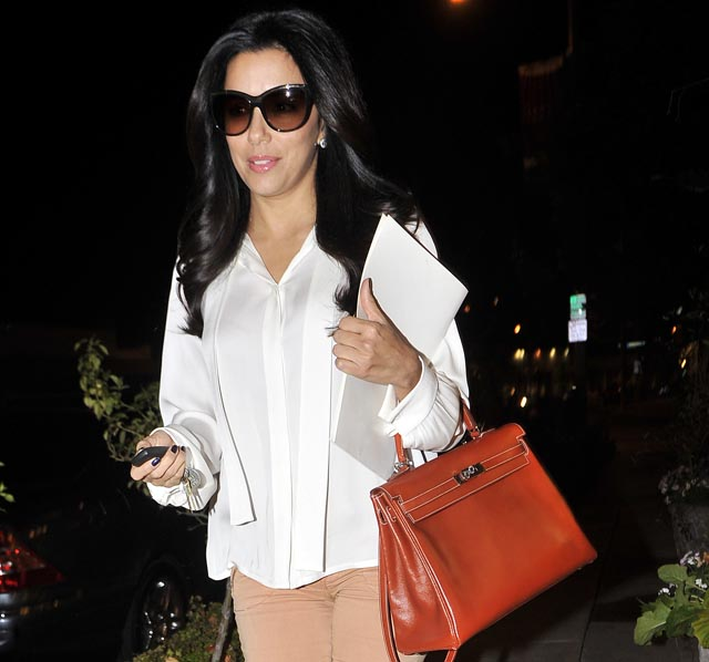 Eva Longoria leaves the Ken Paves salon in Beverly Hills