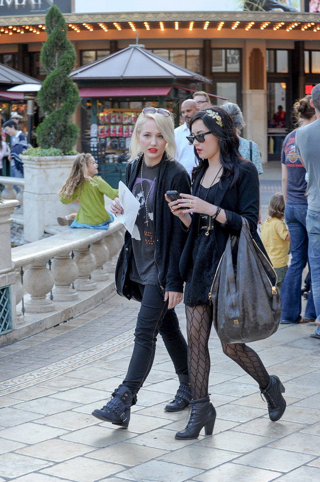 f6532f4f3d The Many Bags of Demi Lovato - PurseBlog