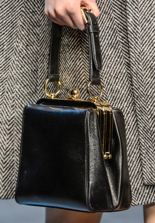 0caab724a278 Dolce   Gabbana Fall 2013 Handbags ...