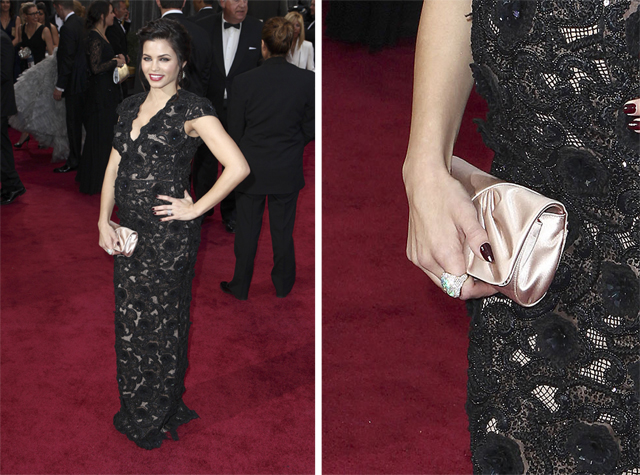 Jenna Dewan-Tatum carries a Christian Louboutin clutch to the 2013 Academy Awards