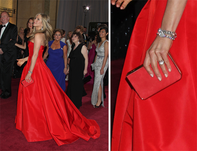 Jennifer Aniston carries a Ferragamo clutch to the 2013 Academy Awards