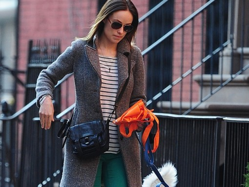 Olivia Wilde stroll thru west village