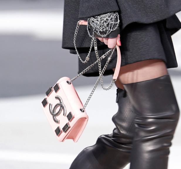 Chanel Fall 2013 Runway Handbags (13)