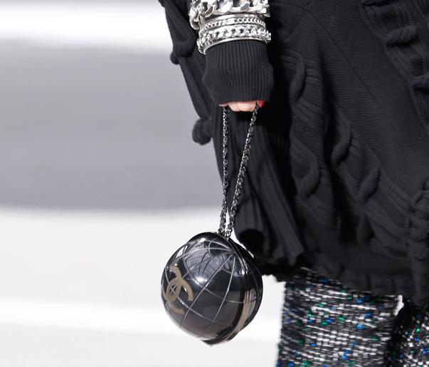 Chanel Fall 2013 Runway Handbags (15)