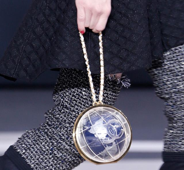 Chanel Fall 2013 Runway Handbags (32)