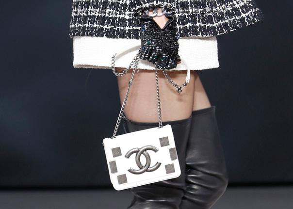 Chanel Fall 2013 Runway Handbags (33)