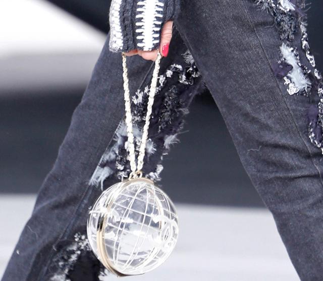 Chanel Fall 2013 Runway Handbags (38)