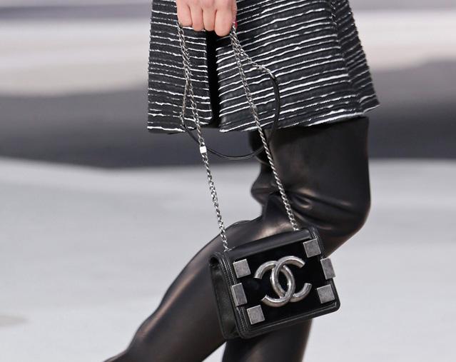 Chanel Fall 2013 Runway Handbags (37)