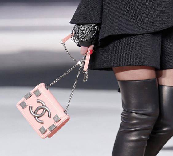 Chanel Fall 2013 Runway Handbags (39)