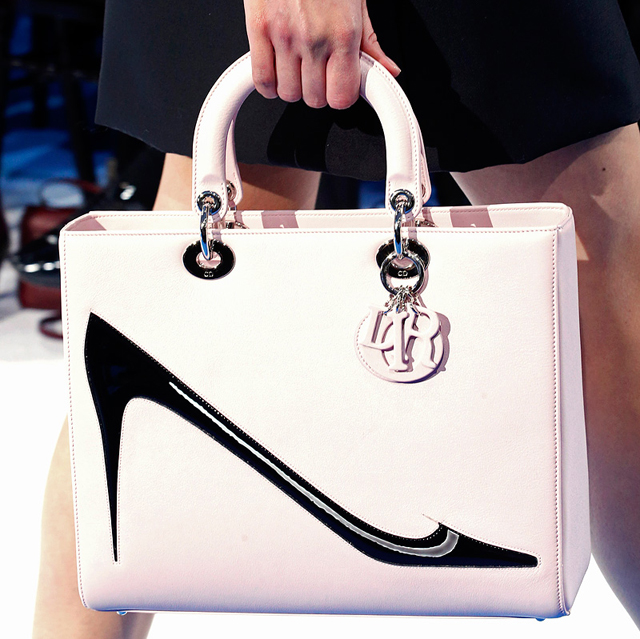 Dior Fall 2013 is full of pretty purses and Warhol prints - Page 9 ... 8cecfc44c2575